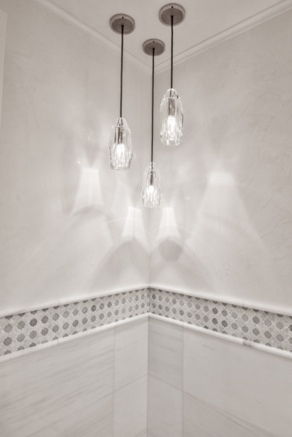 bathroom-hanging-chandelier-lights-nyc