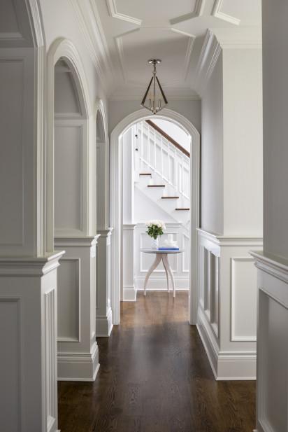 hallway-wainscotting-interior-design-manhasset-ny