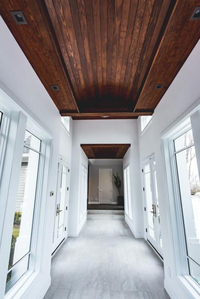 katharine-jessica-interior-design-wood-ceiling-hallway