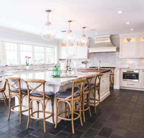 kitchen-island-bar-stools-huntington-bay-ny-interior-design