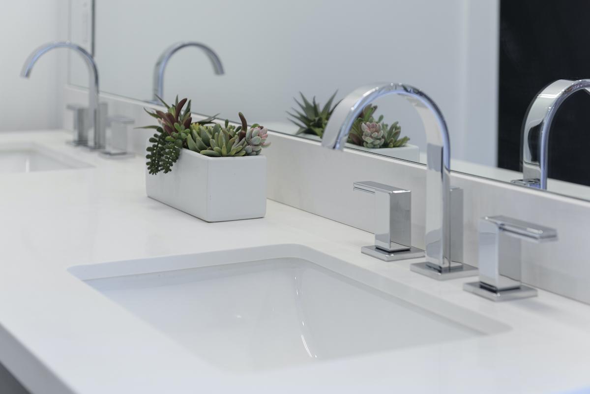 kitchen-sink-details-succulent-decor-kj-id