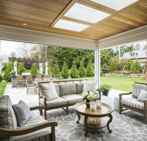 outdoor-patio-area-skylights-outdoor-furniture
