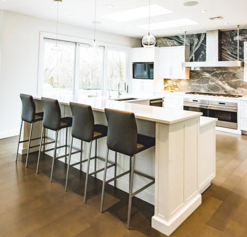 sands-point-ny-kitchen-island-seating-bar-stools