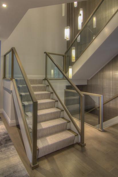 staircase-carpet-pattern-split-landing