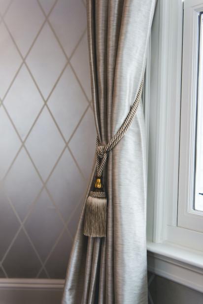 window-treatments-tassel-details-gray-silver