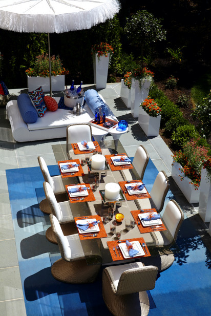 arial-view-outdoor-patio-furniture-dining-table-placesettings