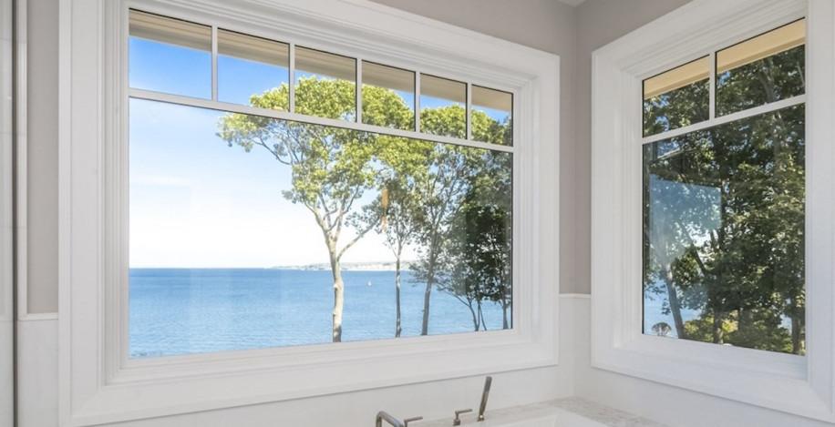 bathroom-tub-windows-view