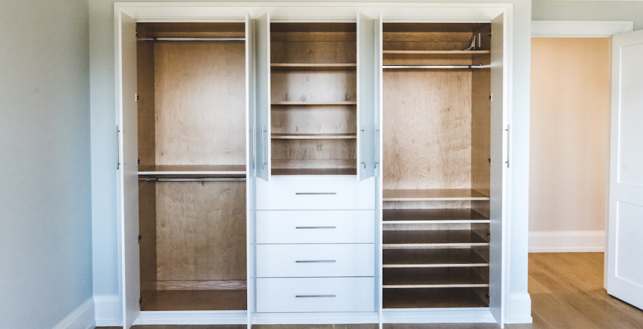 bedroom-closet-built-ins-design-sands-point-ny