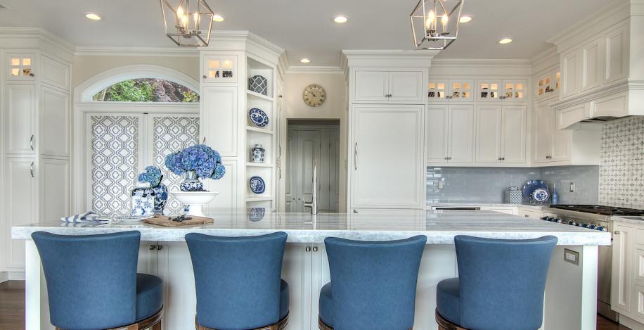 blue-barstools-kitchen-island-gold-coast-interior-design