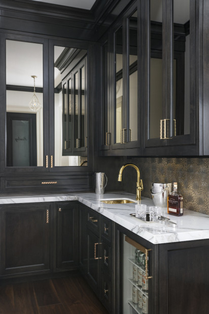 home-bar-wetsink-drink-fridge-mirror-cabinets