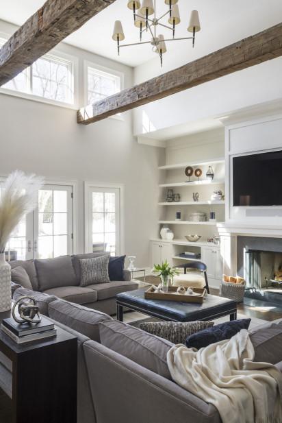 katharine-jessica-interior-design-living-room-natural-wooden-ceiling-beams