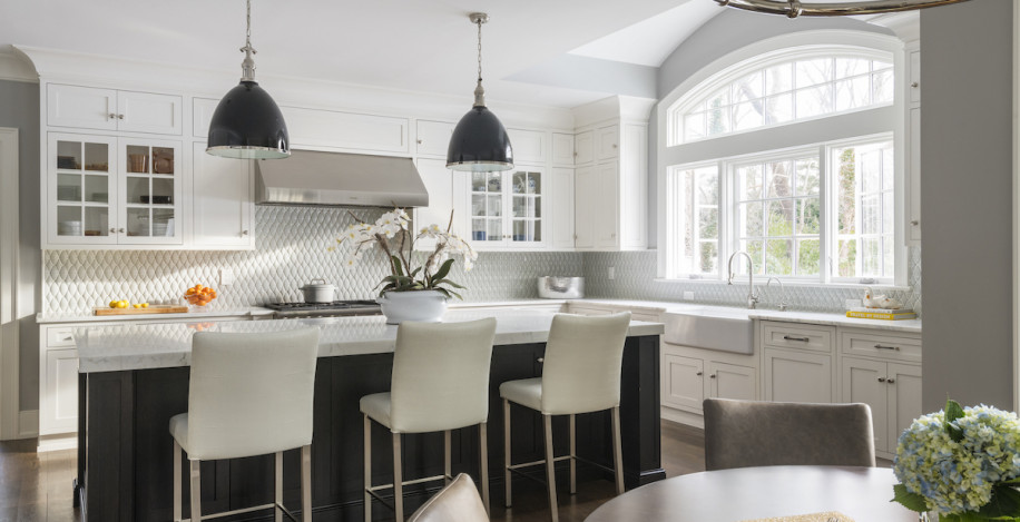 kitchen-itnerior-design-island-barstools-sands-point-ny
