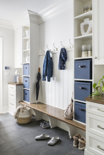 mud-room-bench-coat-racks-show-storage