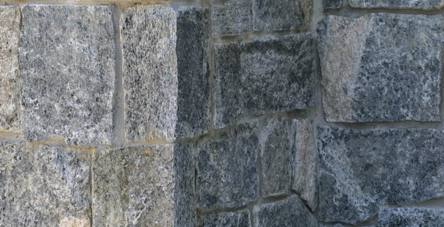 outdoor-stone-wall-sands-point-ny
