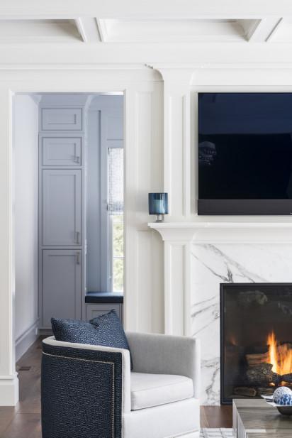 swivel-living-room-chair-fireplace-tv